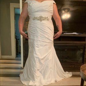 David's Bridal Wedding Dress size 20